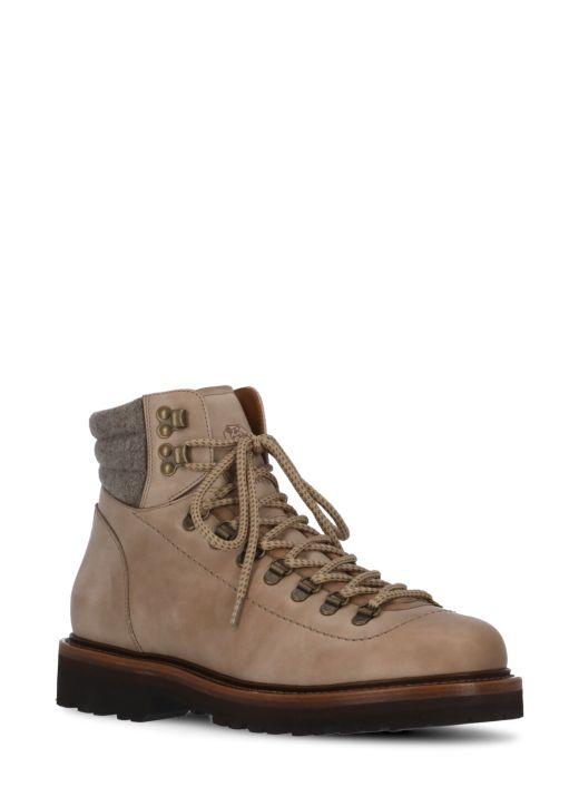 Nabuk and felt Mountain boot