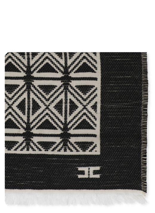 Jacquard cape with kilim design