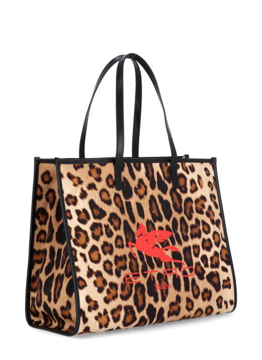 Shopping bag with animalier print
