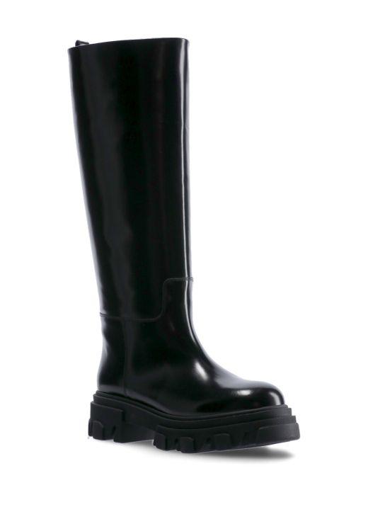 Gia X Pernille Teisbaek: Perni 07 Boot