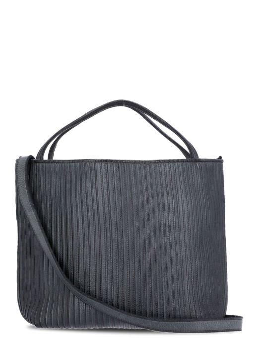 Plebbed leather bag