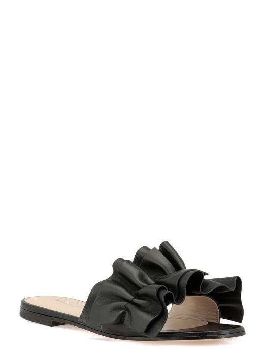 Leather flat shoe