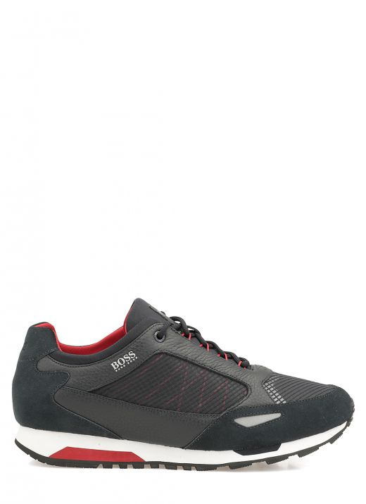Leather and tech fabric sneaker